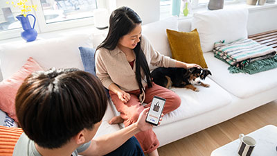 laptop showing payment using visa